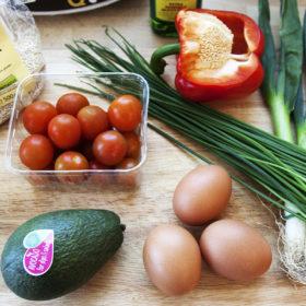 Na jarní salát z quinoy budete potřebovat:
