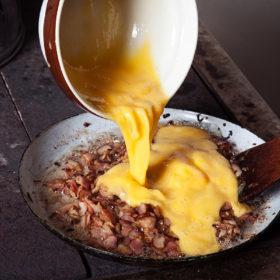 Míchaná vajíčka se slaninou recept